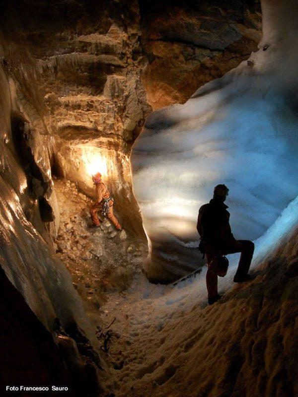 C13 - Studio paleoclimatico attraverso l'analisi di una stalagmite del sistema carsico dei Piani Eterni, Parco Nazionale Dolomiti Bellunesi (Veneto)
